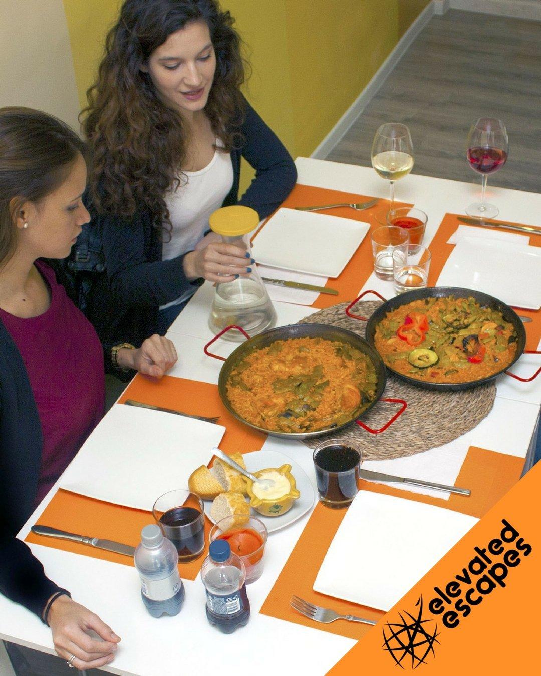 Paella Cooking Class Barcelona Friends